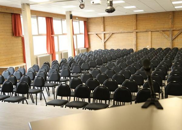 Salle-seminaire-lac-annecy-3-mini