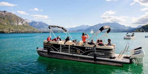 teambuilding watertaxi a Annecy